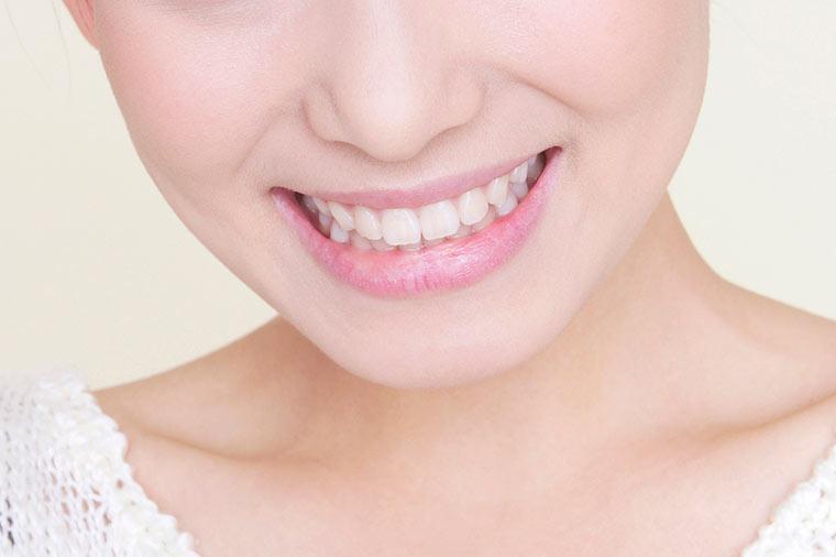 白く美しくするだけでなく、歯を強くします